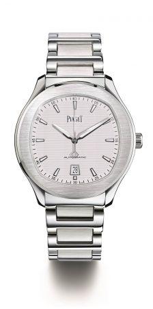 Piaget Polo S腕錶42 毫米精鋼材質搭載伯爵製1110P自動上鍊機械機芯秒針及日期顯示,防水100米精鋼鏈帶折疊式錶釦台幣參考售價 352,000元
