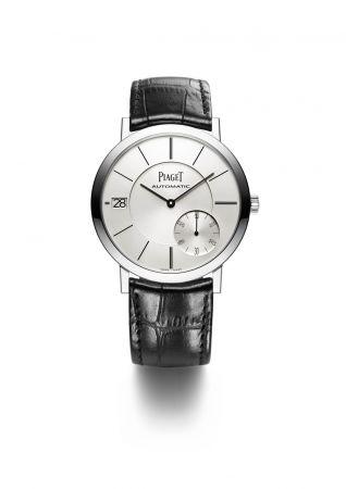 Altiplano 超薄腕錶40毫米18K白金錶殼搭載伯爵製1205P超薄自動上鍊機械機芯小秒針及日期顯示鱷魚皮錶帶針扣式錶釦G0A38130台幣參考售價 845,000元