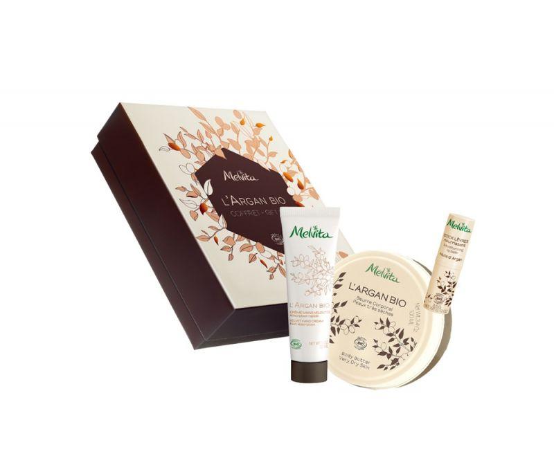 堅果油美體修護禮盒 NT$1,580黃金堅果油修護沐浴膠250ml + 黃金堅果油修護潤手霜30ml + 黃金堅果油潤澤護唇膏3.5g