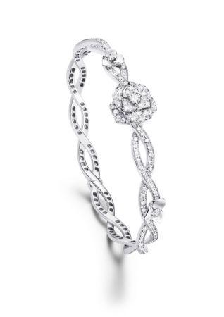 Piaget Rose手鐲18K白金鑲嵌190顆圓形美鑽(約1.32克拉)G36U3616台幣參考售價580,000元