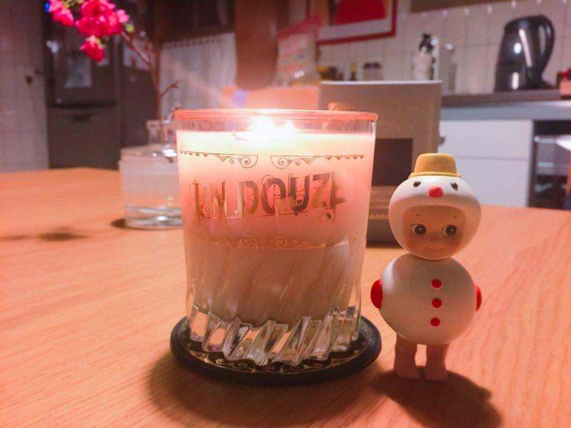 來自日本的SWATi是由被稱作蠟燭皇后的中田真由美所創立,旗下系列un douze是稍微成熟款式的蠟燭,這顆Margarita瑪格麗特是多年前在新宿的小店購入,非常喜歡這系列以酒做為發想、精緻鑲金邊的蠟燭杯在深夜裡看起來就像在杯口灑塩的調酒,味道聞起來有柳橙加香草微醉人的氣息!後來再前去日本已找不到相同的系列和味道,所以格外珍惜這顆唯一僅剩的瑪格麗特,只在特殊時刻點它。推薦者:Marie Claire資深美容健康編輯 小米