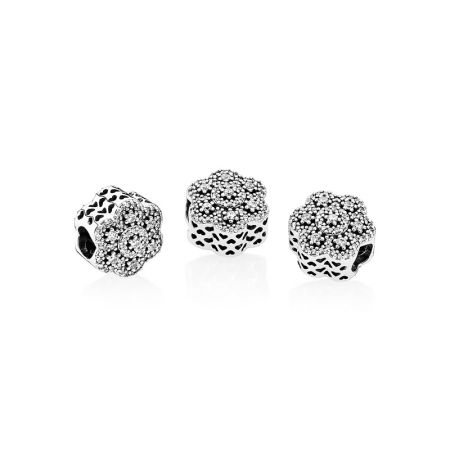 PANDORA 凝冰花卉鋯石925銀串飾 NT$3,180