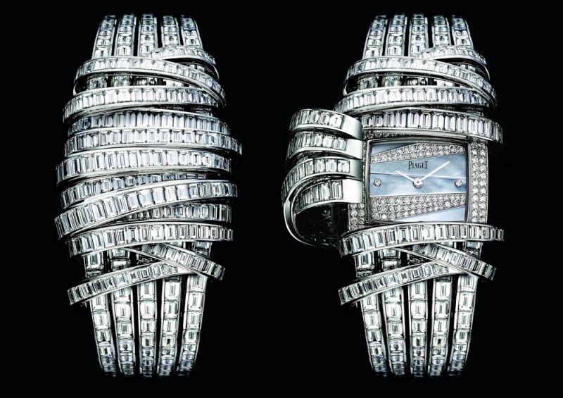 Limelight18K白金神秘腕錶錶殼鑲嵌78顆圓形美鑽(約0.88克拉)珍珠母貝錶盤鑲嵌37顆圓形美鑽(約0.34克拉)錶鏈鑲嵌437顆長方形美鑽(約57.78克拉)搭載伯爵製56P石英機芯G0A34133台幣參考售價39,500,000元