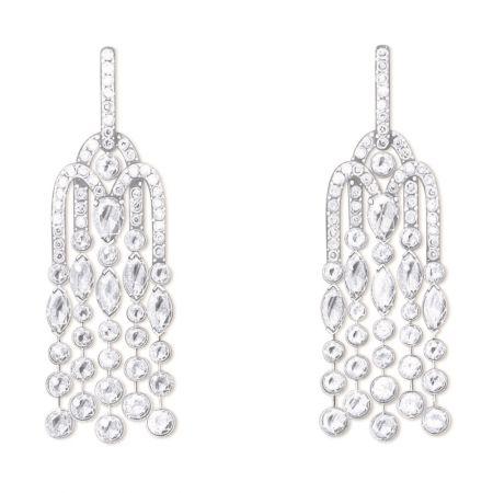 Sunny Side of Life18K 白金耳環鑲嵌138顆圓形美鑽 (約4.99克拉)、10顆馬眼形切割鑽石 (約2.30克拉)及2顆梨切割鑽石 (約1.26克拉)G38M6800台幣參考售價 3,550,000元