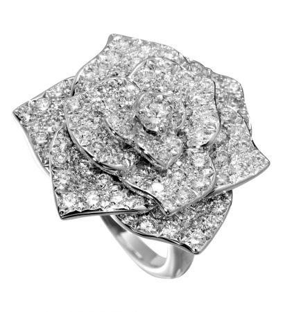 Piaget Rose18K白金指環鑲嵌112顆圓形美鑽(約重2.38克拉)G34U6852台幣參考售價 655,000元