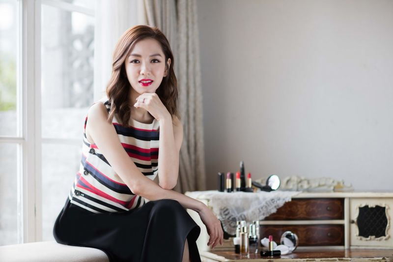 2016年金馬獎的金馬星光大道主持人-楊千霈。