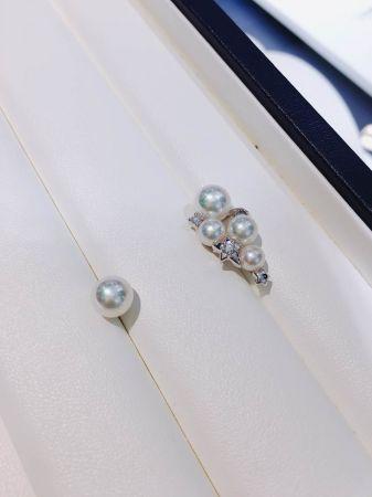 可變換式的設計,單顆珍珠耳針可抽出來另外配戴。