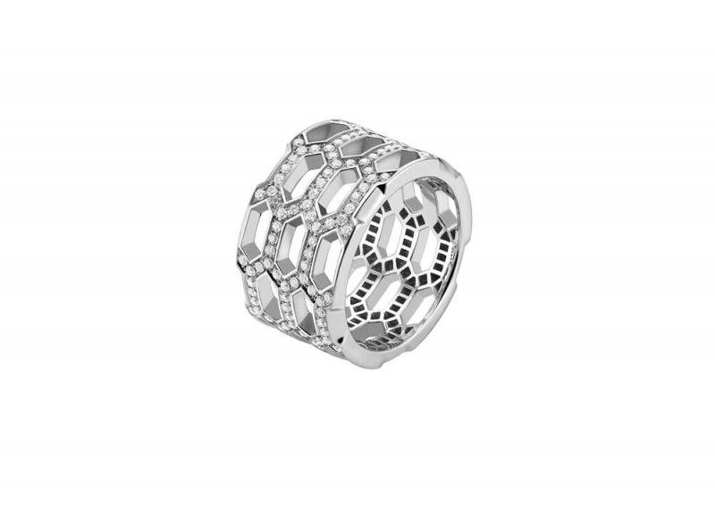 白K金鑲嵌鑽石戒指,Bulgari。