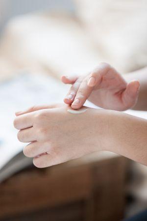 用量不須多,少量就能帶給肌膚滿滿大平台般的水感活力!