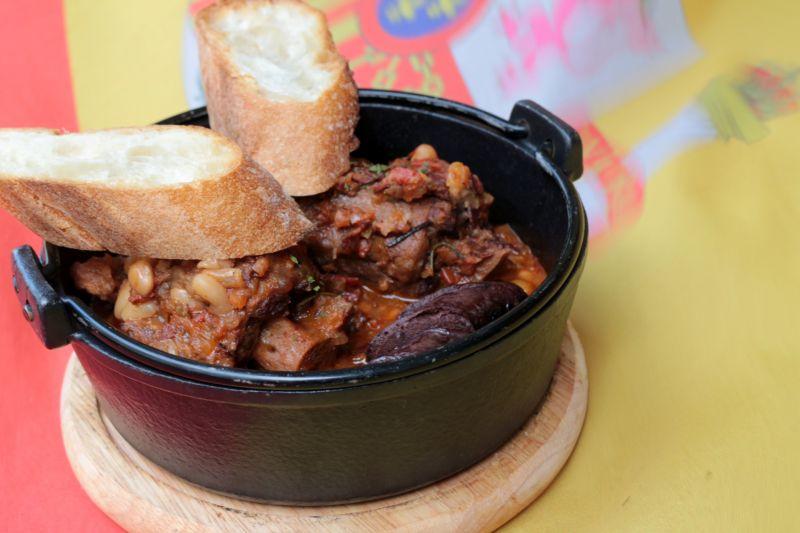 白豆慢燉牛尾鍋