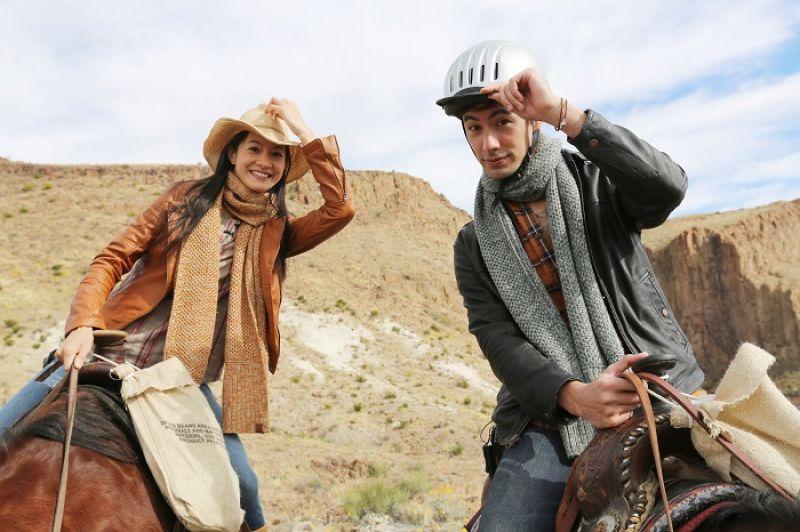我跟 George 個性很不一樣,一到那邊他就開始問:有沒有安全帽?馬有沒有更小隻的?