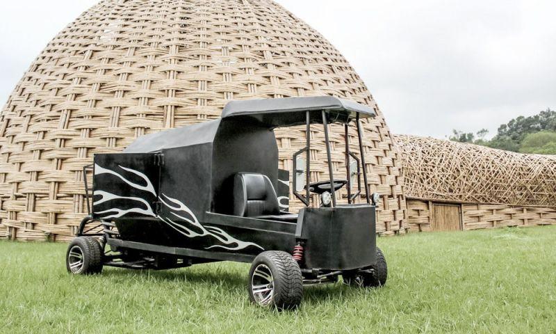作品名稱:甲蟲車,是由改裝車職人江家雄與視覺藝術統籌陳建智聯手打造