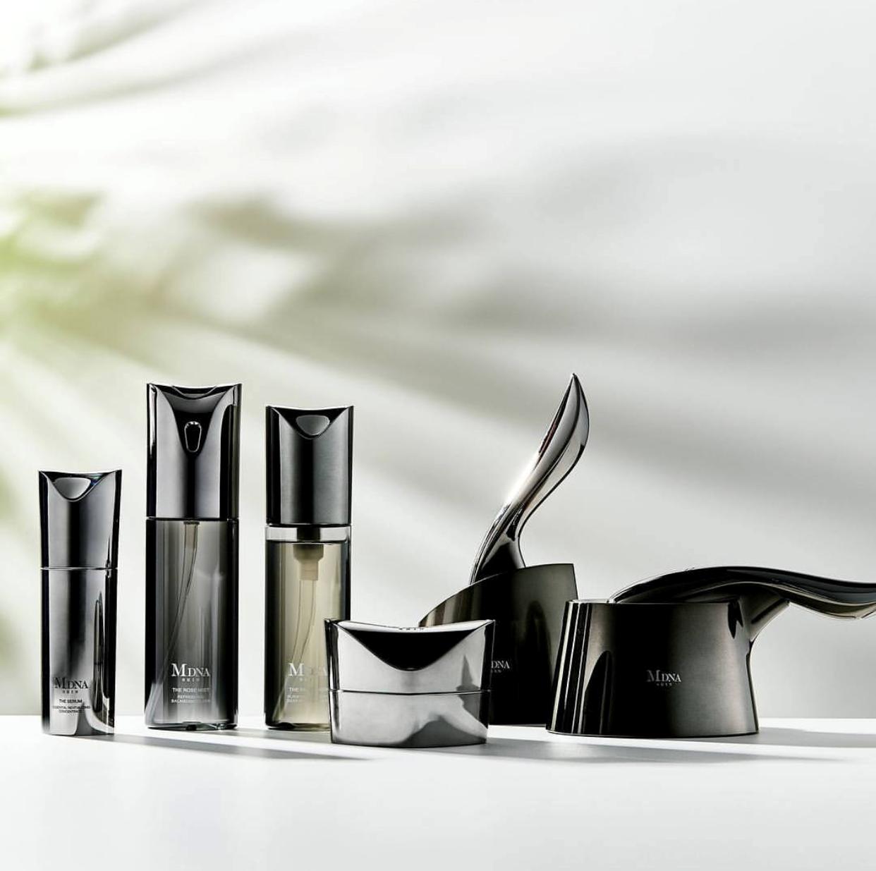 MDNA Skin添加源自蒙特卡蒂尼的稀有礦物泥、溫泉水及各種天然成份。
