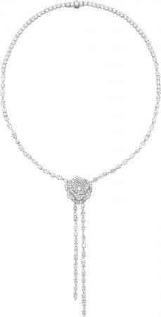 鑲嵌上近27克拉鑽石的伯爵 Piaget Limelight 玫瑰造型高級珠寶長型項鍊