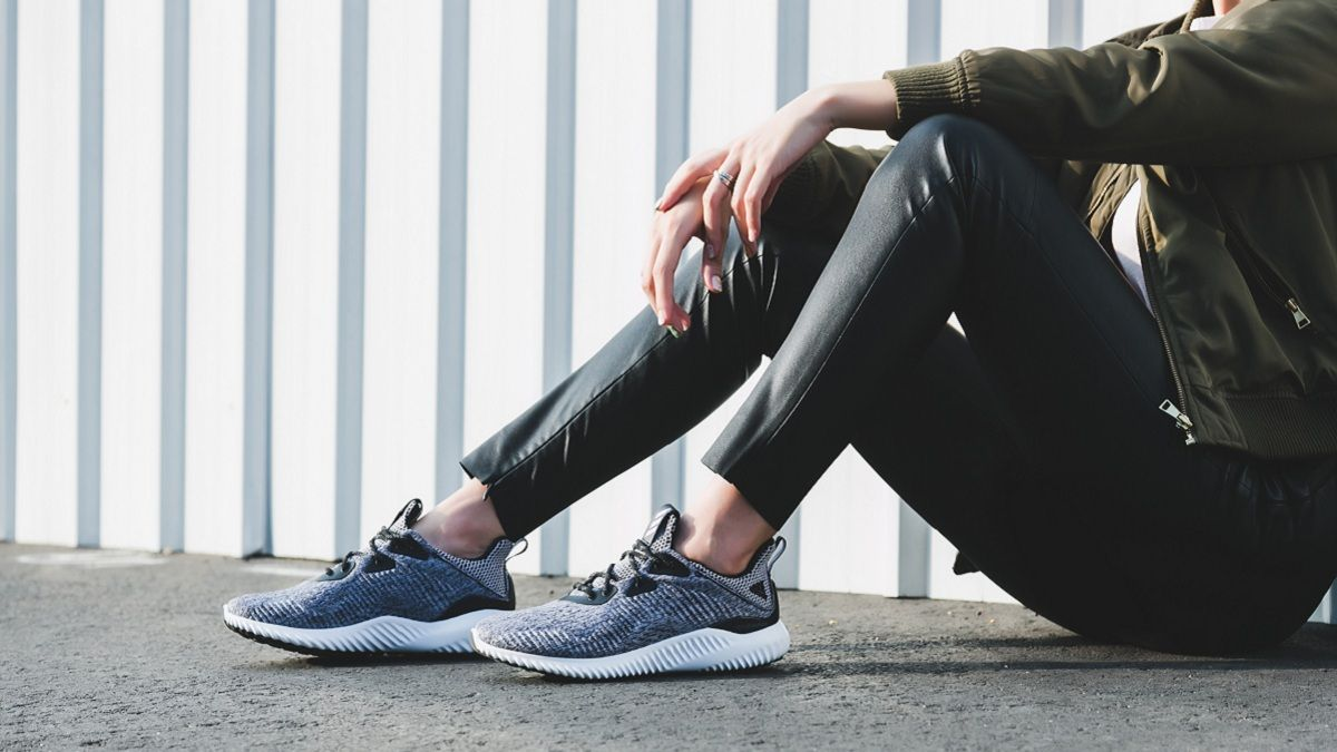 2017新美鞋來襲!名人上腳率100%百搭街頭跑鞋就是這一雙!