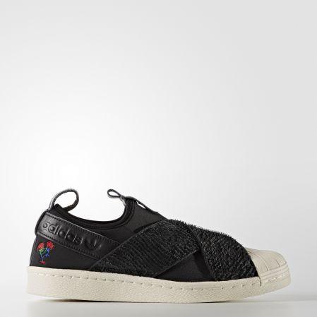 adidas Originals SUPERSTAR SLIP-ON NTD3,890_女鞋款__BB31201月18日上市。
