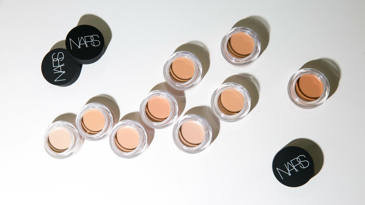 自然平滑且擁有超高遮瑕效果!NARS甜心遮瑕霜打造柔焦濾鏡般的美肌