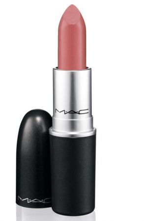 時尚專業唇膏 NT$720(Peach Blossom 冰霜蜜桃裸、Dangerous 霧面橘紅、Russian Red 濃郁喜氣紅)