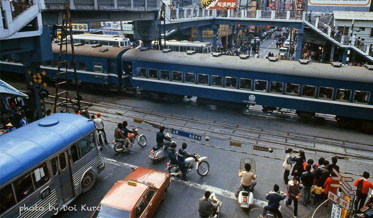 Train passing 台北1984