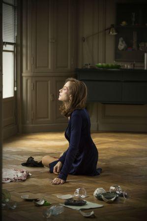 金球獎最佳外語片《她的危險遊戲》台灣將於2/17上映。