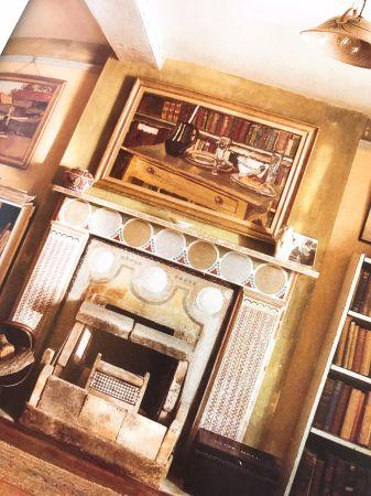 禮盒包裝的靈感來自Charleston House壁爐上的壁紙。