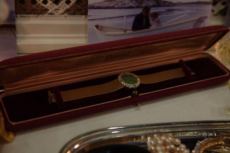 伯爵經典賈姬錶也出現於電影片中