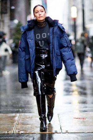 超級oversize是本季相當流行的輪廓,如果你的身高夠,不妨嘗試這樣的風格