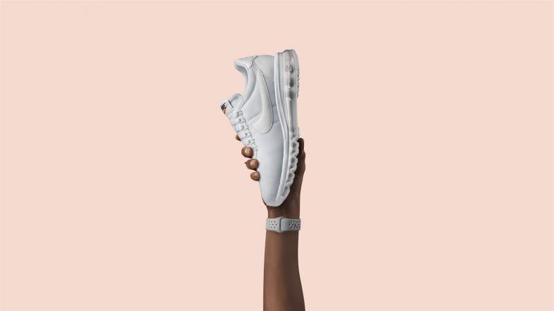 Nike Air Max LD-Zero這雙LD-Zero由日本傳奇街頭服飾設計師藤原浩(Hiroshi Fujiwara)為2016年Air Max Day設計,採用了1970年代Nike LD1000鞋款為靈感的簡約鞋面設計,並搭配2006年首次問世的Air Max 360氣墊科技。