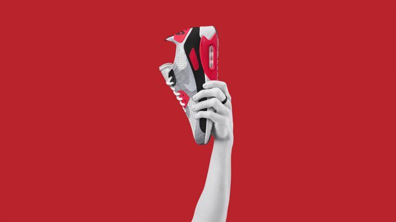 Nike Air Max 90 Ultra FlyknitAir Max 90 OG以鮮艷配色聞名,而全新中空鞋底能夠減輕重量,增加舒適性。