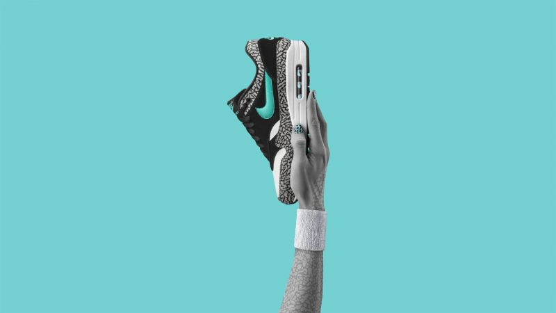 "Nike Air Max 1 atmos ElephantAir Max 1 atmos是2016年Air Max Day中""Vote Back 100票選經典""活動中,獲得最終票選勝出的鞋款。這雙鞋由Nike與日本知名零售品牌Atmos聯名設計,於2006年隨""Zoo Pack""系列一同發表。"