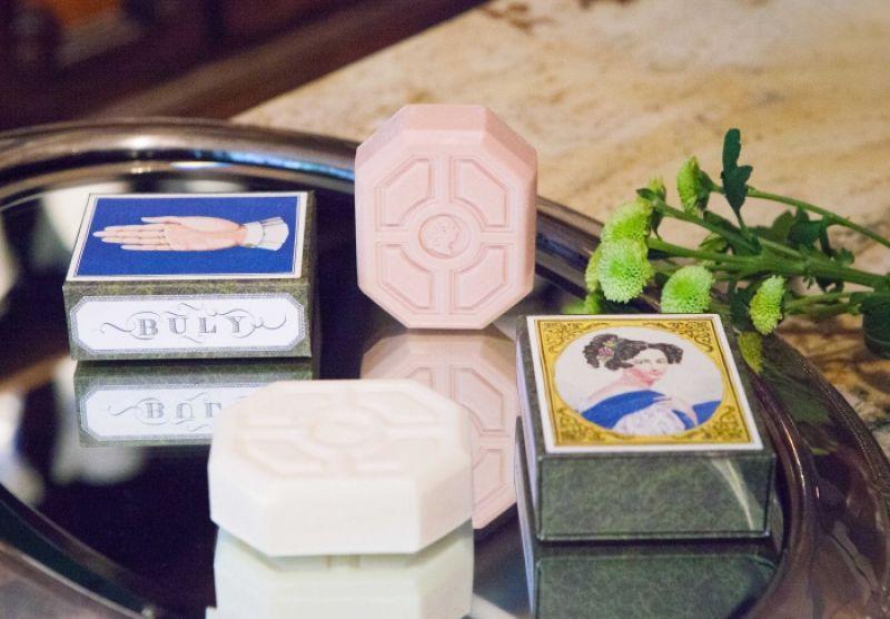 BULY1803潔膚皂,150g / NT$1,240(木曾柚子、祕魯香水草、拜爾坎橙花)