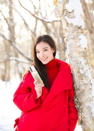 領中國知名女演員 倪妮