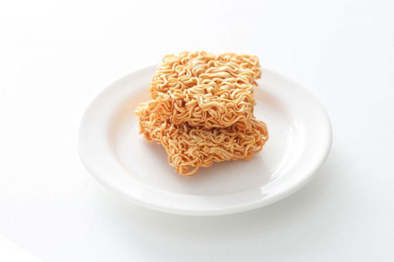 即食迷你拉麵首次由台灣在地生產,強調美味與方便,無論沖泡熱水或直接食用都適宜,有雞汁、醬油及韓式泡菜口味。(預計8月上市)