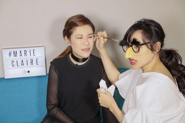 終於輪到小紅上場,她要挑戰的是自己一直很想嘗試的韓式平眉,「為什麼下面的眉毛會跑!?」是妳喝醉了吧!