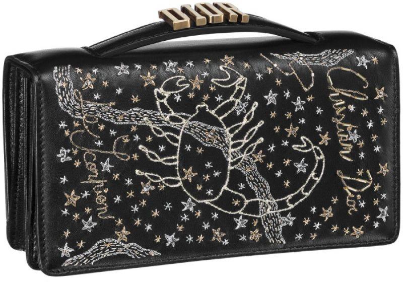 黑色天蠍座手工刺繡小羊皮晚宴包 NT$73,000
