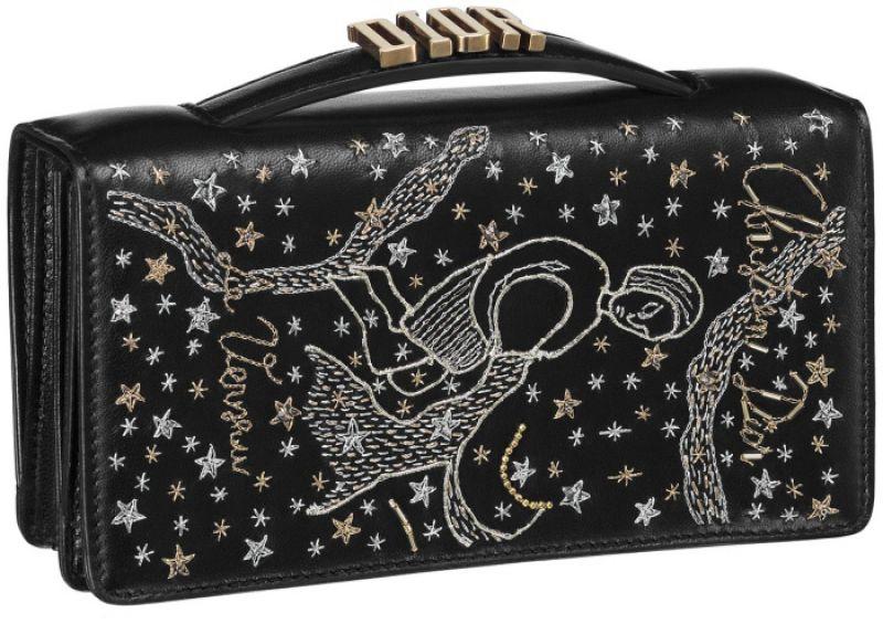 黑色水瓶座手工刺繡小羊皮晚宴包 NT$73,000