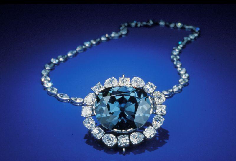 世界上最大的藍鑽「希望鑽石」。