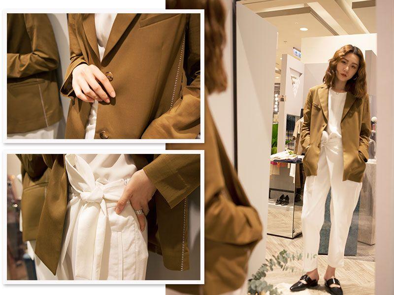 【LOOK 2】隨性穿搭歐系簡約時尚必備單品:西裝外套+簡約上衣+設計感長褲西裝外套是都會女性實穿又好搭的必備單品之一,FILTER推薦20,000,000 fragments利用挺立壓縮羊毛布料拼接柔軟的透膚材質的西裝,搭配上JEAN GENIE & HUNGRY FREAKS , DADDY簡潔俐落的白上衣與libertine- libertine的白色長褲、SALONDEJU黑色尖頭懶人鞋,運用局部的設計感讓造型更有重點。