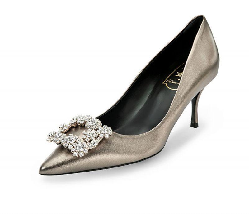 全球獨家台灣限定款Roger Vivier花鑽扣飾系列高跟鞋 $75,000
