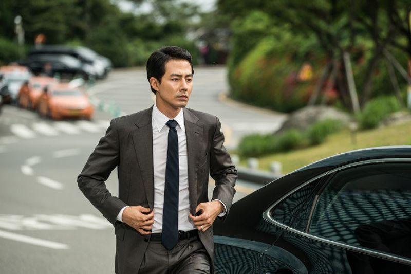 睽違八年,趙寅成再度演出電影《金權性內幕》