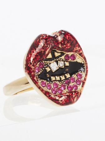亮片紅唇戒指 NT$3,290