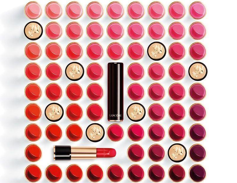 LANCÔME 絕對完美唇膏 2017 全新26色,包含絲絨玫瑰色、潮流裸色、巨星紫色、韓星橘紅、鮭魚粉色五大潮流唇色,三種經典質地「水潤光感」、「奢華霜感」、「絲絨霧感」華麗登場。