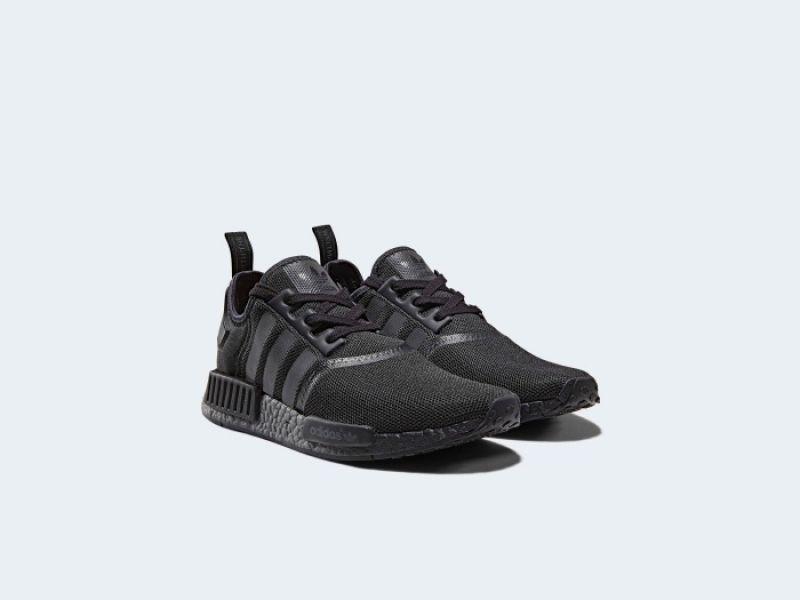 adidas Originals NMD R1(男生黑色鞋款) NTD5,890