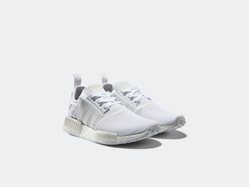 adidas Originals NMD R1(男生白色鞋款) NTD5,290