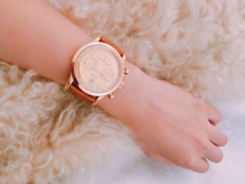 CFB 寶齊萊功能款式雖然沒有特別的突破,不過今年的用色很棒,綠色、藍色、藍灰色、香檳金...復古也耐看,品牌形象更年輕有型。看完錶,編也要去體驗機芯組裝,當當一日製錶師。
