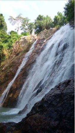 納蒙瀑布是蘇梅島的著名景點。