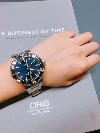 Oris復刻錶是品牌2017年的重點,飛行錶、賽車錶...每一只都很有特色也很有紀念價值,中性外型、適中尺寸,男女皆宜,CP值頗高。