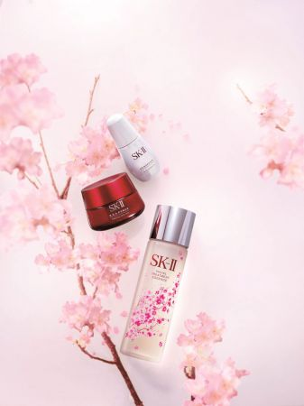SK-II 獻上最好的,給最愛的她!青春露粉漾櫻花限量版母親節上市