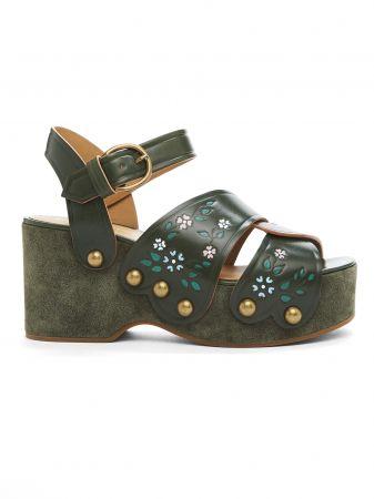 花卉圖騰厚底涼鞋。