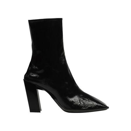 漆皮尖頭中長靴,Balenciaga。